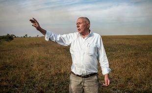 """RDC: Willem Boulanger, un des rares Belges à être resté à Kolwezi, dont il dit être """"un des derniers vieux dinosaures"""", le 30 mai 2015 à 10km de Kowelzi"""