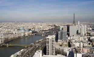 Vue aérienne de Paris le 6 mars 2015.