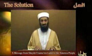 Oussama ben Laden affirme qu'il faut intensifier la lutte pour stopper la guerre en Irak dans un message vidéo attribué au chef d'Al-Qaïda et dont des extraits ont été diffusés vendredi sur la chaîne Al-Jazira.