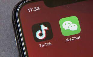 Les applications TikTok et WeChat sur un smartphone.