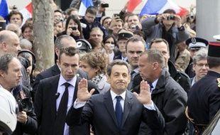 Le président Sarkozy va tirer sa révérence et Maître Sarkozy lui succéder: le chef de l'Etat sortant, qui transmettra ses pouvoirs le 15 mai à François Hollande, devrait rapidement redevenir avocat, avec le désir apparent de mettre un terme à sa vie politique.