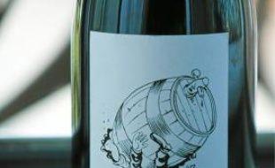 L'étiquette a été conçue par le dessinateur Luz.