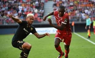 Moussa Niakhaté (à gauche) et le VAFC se sont imposés à Starsbourg