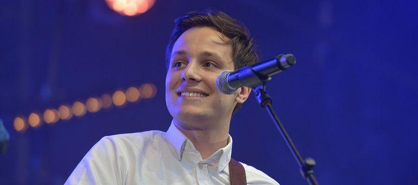 Le chanteur Vianney lors d'un concert au parc de l'Ile de la Jatte a Levallois-Perret.