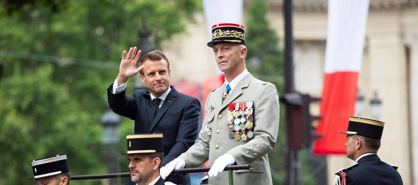 Emmanuel Macron et François Lecointre, chef d'Etat-Major des armées, lors de la cérémonie du 14 juillet en 2019.