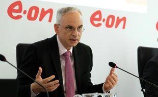 Johannes Teyssen, le patron du numéro un allemand de l'énergie EON, lors d'une conférence de presse le 9 mars 2016 à Essen, en Allemagne