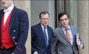"""Lors de sa déclaration de politique générale, version condensée de son discours de la veille devant l'Assemblée nationale, le Premier ministre a estimé que la France ne devait pas être le seul pays """"qui ne peut régler par le débat, la discussion, l'accord les enjeux majeurs qui se posent"""" à lui."""