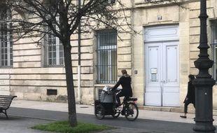 Les vélos-cargos connaissent un succès particulier à Bordeaux.