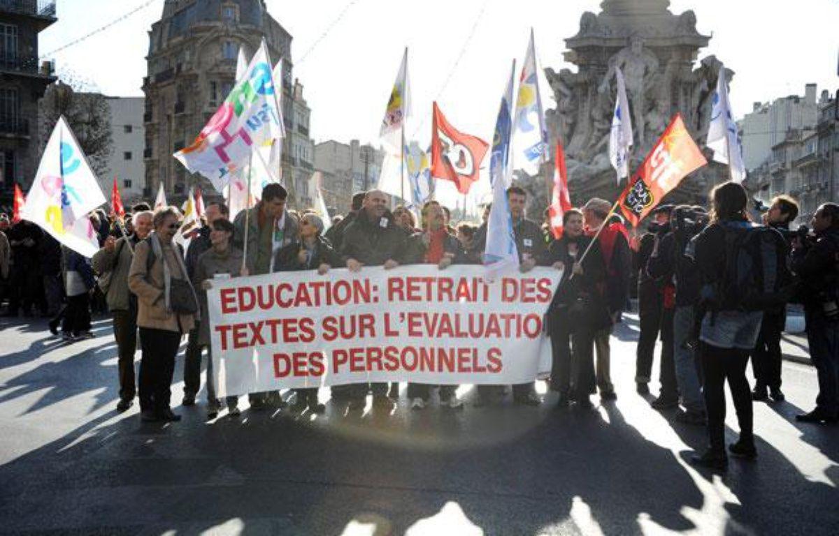 Des enseignants manifestent à Marseille (Bouches-du-Rhône), le 15 décembre 2011. – GERARD JULIEN / AFP