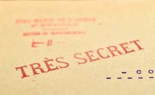 Entête de documents d'archives françaises liées à la machine de cryptage Enigma.