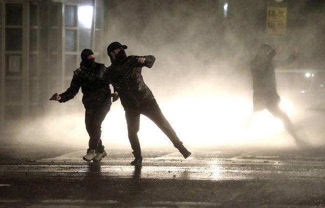 648x415 affrontements entre jeunes nationalistes police belfast irlande nord 8 avril 2021