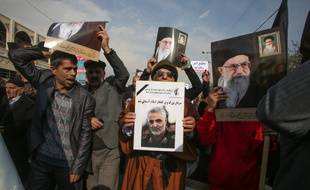 Des milliers d'Iraniens ont manifesté à Téhéran après la mort du commandant Qasem Soleimani, le 3 janvier 2020.