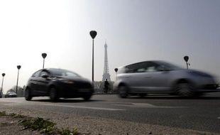 Des voitures le 14 mars 2014 à Paris