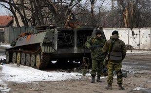 Des rebelles prorusses, le 19 février 2015 à Uglegorsk, près de Debaltseve, ville stratégique dans l'est de l'Ukraine