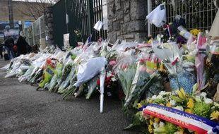Mecredi matin, devant le groupement de gendarmerie de l'Aude, à Carcassonne.