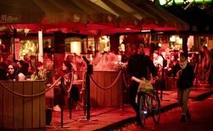 Rassemblement festif place Plein à La Haye, le 14 octobre 2020, juste avant la fermeture des bars.