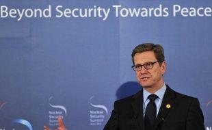 Le ministre allemand des Affaires étrangères, Guido Westerwelle, inquiet du sort de l'opposante ukrainienne Ioulia Timochenko, a menacé de bloquer la ratification de l'accord d'association UE/Ukraine, dans un entretien mercredi.