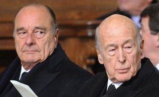 De nombreuses personnalités étaient présentes comme les deux anciens présidents Jacques Chirac (G) et Valéry Giscard d'Estaing.