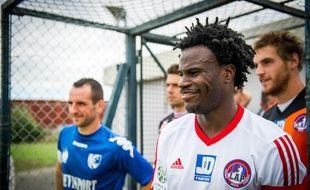 Le capitaine de Luzenac Guy N'Gosso avant un match amical contre Colomiers, le 8 juillet 2014.