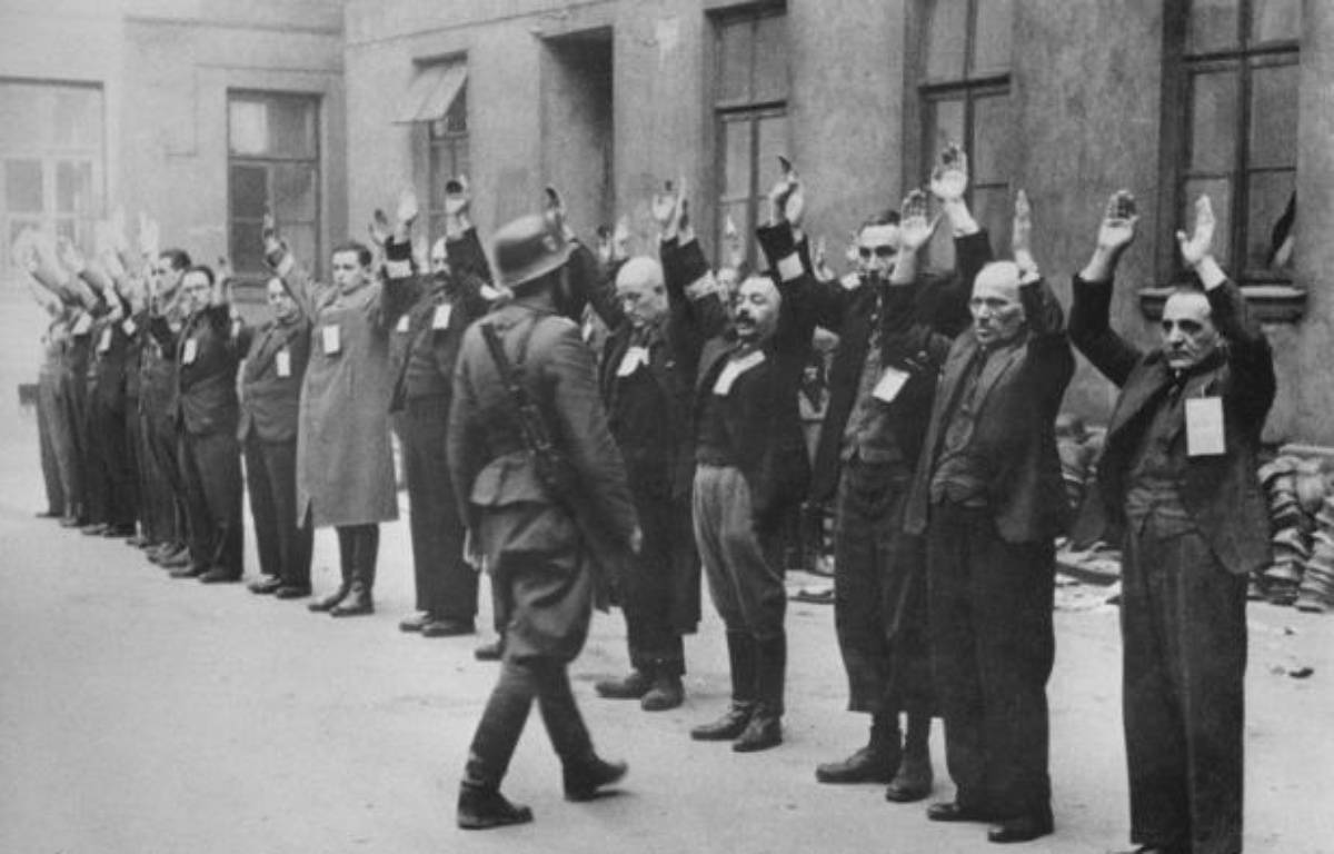 Varsovie s'apprête à commémorer dimanche le 70ème anniversaire de la liquidation du ghetto juif par l'Allemagne nazie, une opération qui a coûté la vie à 260.000 juifs varsoviens déportés dans le camp d'extermination de Treblinka. –  afp.com