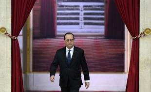 Le président François Hollande arrive à l'Elysée pour une conférence de presse, le 5 février 2015 à Paris