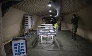 La mise en place de l'hôpital de campagne à Mulhouse, le 22 mars 2020.