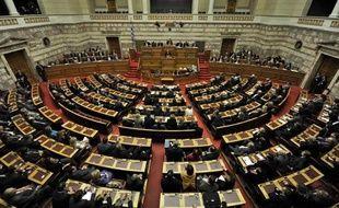 Le Parlement grec a adopté mercredi un budget d'austérité drastique pour 2012, tablant sur une forte baisse du déficit public et une 5e année consécutive de récession, qui marque la détermination d'Athènes à rester dans l'euro et à respecter les promesses faites à ses créanciers.