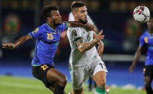 Andy Delort sous le maillot de l'Algérie, ici face à la Tanzanie lors de la Coupe d'Afrique des Nations (CAN) 2019.