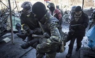 Les manifestants ont affronté les forces de l'ordre à Kiev (Ukraine)le mardi 18 février 2014.