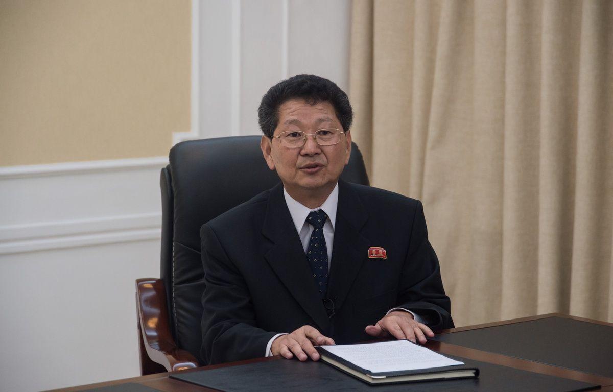 Le directeur adjoint du département européen du ministère des Affaire étrangères nord-coréen,Ri Tok-son, lors d'une conférence de presse à Pyongyang, le 8 septembre 2017. – KIM Won-Jin / AFP