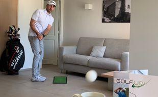 Arnaud Sérié, en pleine démonstration de trickshots sur une vidéo postée sur son compte Instagram.