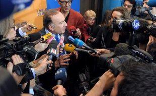 """Pour le Medef, le chef de l'Etat va """"dans le bon sens"""", la CGPME se déclare prête à """"relever le gant"""": le patronat français a bien accueilli les annonces de François Hollande sur le pacte de responsabilité mais demande des actes rapidement."""
