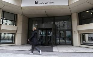 Le siège du groupe franco-suisse Lafarge-Holcim, le 9 mars 2017 à Paris.
