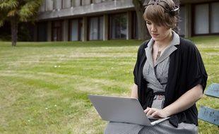 La chercheuse de l'Inria Rennes Nataliya Kosmyna travaille sur l'interface entre le cerveau et l'ordinateur permettant de contrôler des objets par la pensée.
