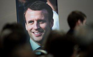Une affiche d'Emmanuel Macron lors de la campagne des législatives de 2017.
