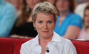 La journaliste Elise Lucet dans «Vivement Dimanche» en mai 2012.