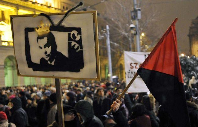 Manifestation contre la main mise de Viktor Orban sur lse médias en janvier 2011 en Hongrie