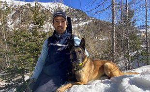 Le maréchal des logis-chef Benjamin Correge et Zarko forment l'équipe cynophile du PGHM (Peloton de gendarmerie de haute montagne) des Alpes-Maritimes