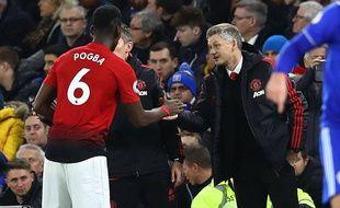 Paul Pogba et Ole Gunnar Solskjaer lors de Cardiff-Manchester United, le 22 janvier 2019.