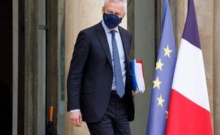 Le ministre de l'Economie Bruno Le Maire devant l'Elysée le 6 juillet 2021.