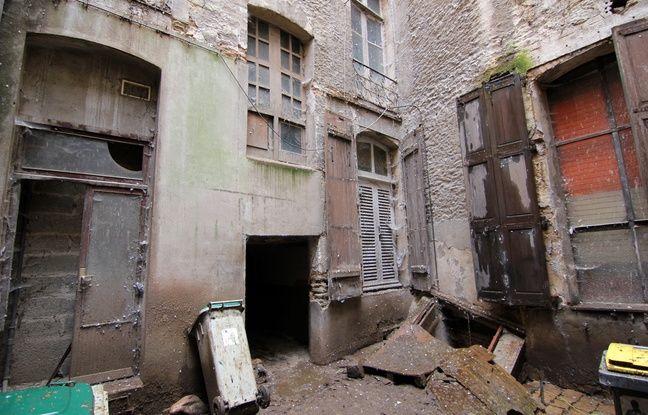 L'intérieur d'une cour d'immeuble à Rennes, considérée comme insalubre.