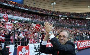 Paris, le 14 mai 2011. Finale de la Coupe de France de football opposant le Lille OSC (LOSC, L1) au Paris SG (PSG, L1) au Stade de France. Ici la joie du prŽsident lillois Michel Seydoux aprs leur victoire.