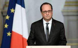 Le président François Hollande prononce un discours à l'Elysée, le 14 novembre 2015 à Paris