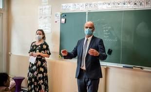 Le ministre de l'Education, Jean-Michel Blanquer en visite dans une école de l'Oise, le 21 août 2020.