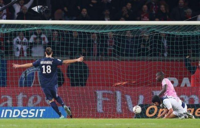 Net vainqueur de Troyes samedi (4-0) avec un Zlatan Ibrahimovic des grands soirs, le Paris SG a repris son bien: la tête de la L1, que ni Lyon ni Bordeaux, jetés au sol par Toulouse et Montpellier et même doublés dimanche par le revenant marseillais, n'ont pu lui contester lors de la 14e journée.