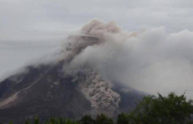 648x415 indonesie le volcan sinabung en eruption