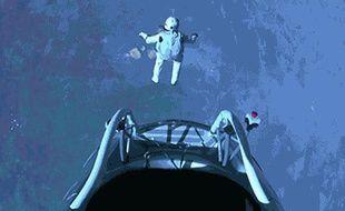 Felix Baumgartner se jette dans le vide, sans s'arrêter