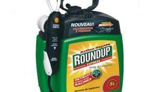Un exemplaire de l'herbicide Round Up