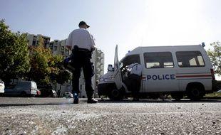 Une patrouille de police dans le quartier de Bellefontaine, à Toulouse.