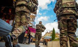 Des militaires participant à l'opération Sentinelle.